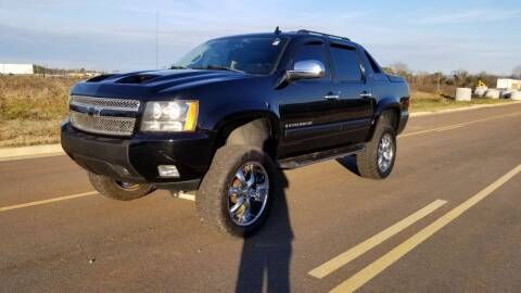 2007 Chevrolet Avalanche for sale at Tennessee Valley Wholesale Autos LLC in Huntsville AL