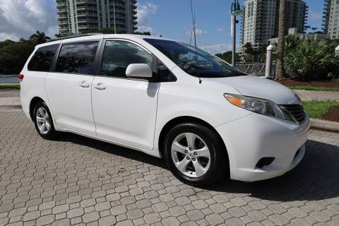 2012 Toyota Sienna for sale at Choice Auto in Fort Lauderdale FL