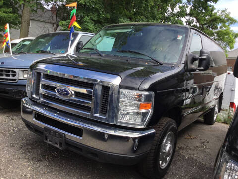 2014 Ford E-Series Cargo for sale at Drive Deleon in Yonkers NY
