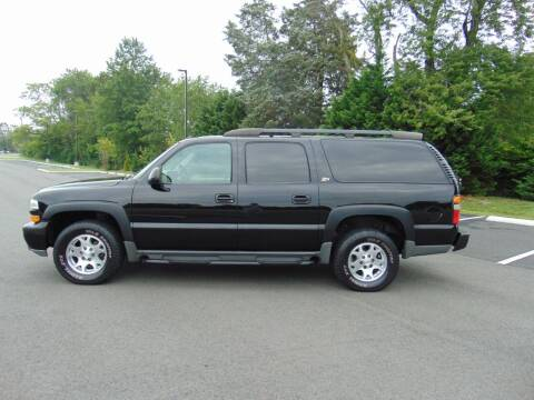2004 Chevrolet Suburban for sale at CR Garland Auto Sales in Fredericksburg VA