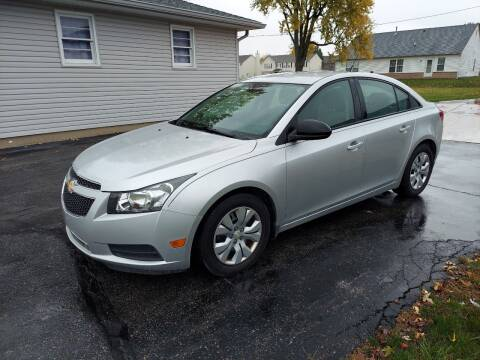 2013 Chevrolet Cruze for sale at CALDERONE CAR & TRUCK in Whiteland IN