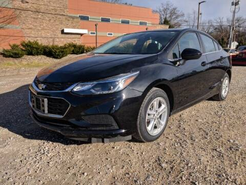 2018 Chevrolet Cruze for sale at DILLON LAKE MOTORS LLC in Zanesville OH