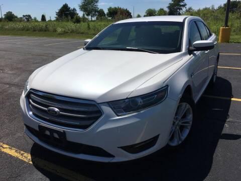 2015 Ford Taurus for sale at Future Motors in Addison IL