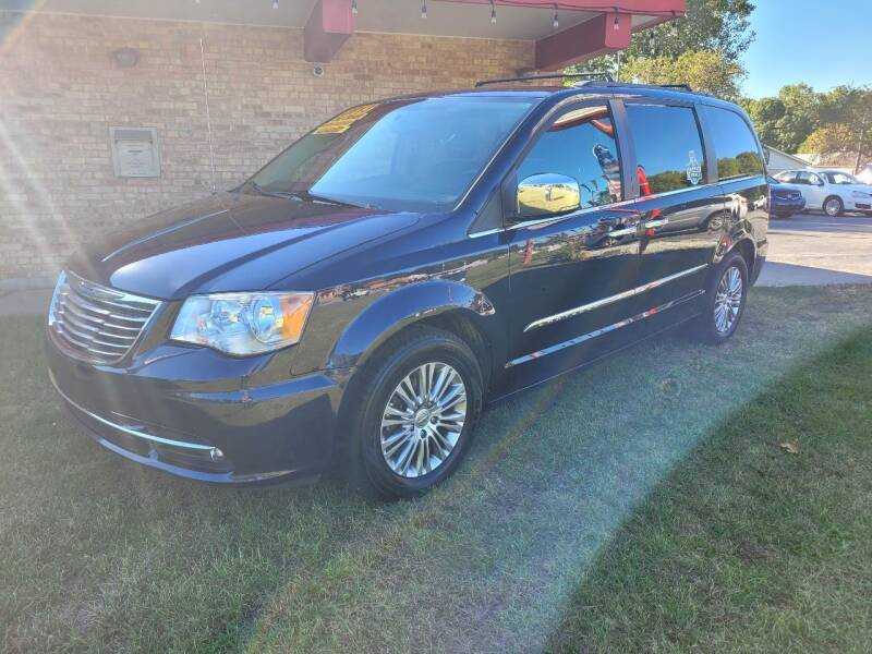 2013 Chrysler Town and Country for sale at Murdock Used Cars in Niles MI