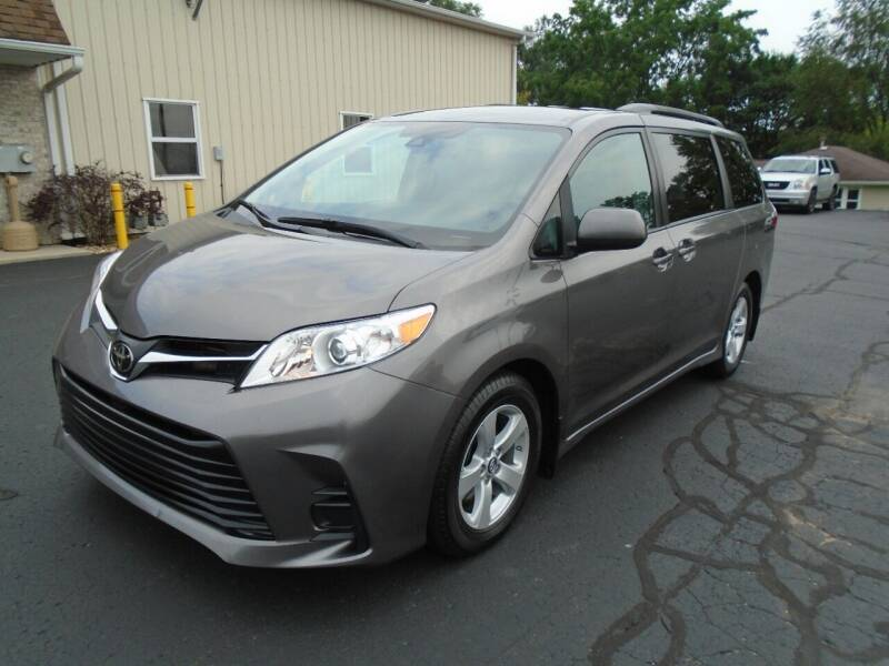 2019 Toyota Sienna for sale at Ritchie Auto Sales in Middlebury IN
