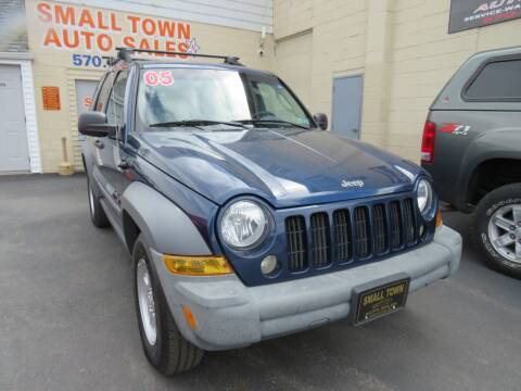2005 Jeep Liberty for sale at Small Town Auto Sales in Hazleton PA