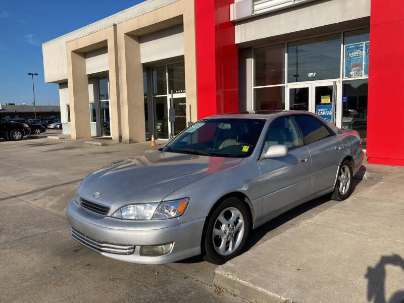 2001 Lexus ES 300 for sale at Thumbs Up Motors in Warner Robins GA