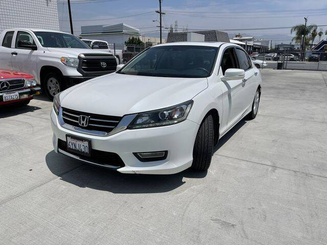 2013 Honda Accord for sale at Hunter's Auto Inc in North Hollywood CA