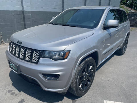 2017 Jeep Grand Cherokee for sale at APX Auto Brokers in Lynnwood WA