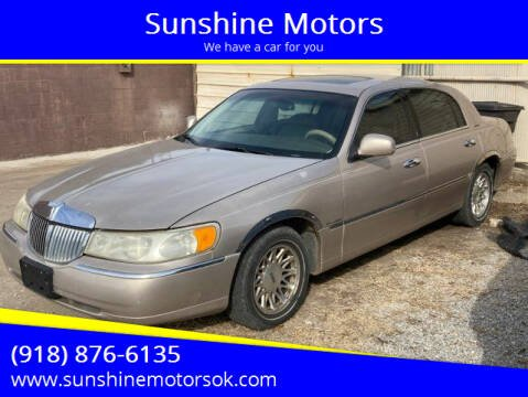 1998 Lincoln Town Car for sale at Sunshine Motors in Bartlesville OK