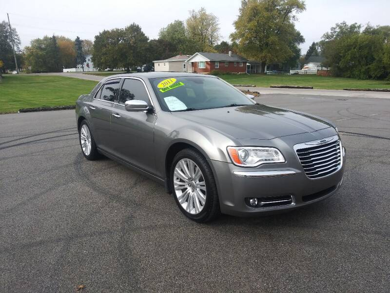 2011 Chrysler 300 for sale at Magana Auto Sales Inc in Aurora IL