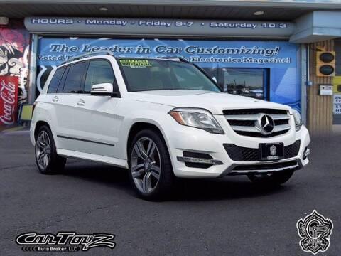 2013 Mercedes-Benz GLK for sale at Distinctive Car Toyz in Pleasantville NJ