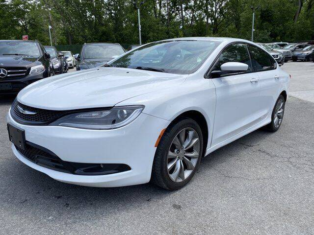 2016 Chrysler 200 for sale at CERTIFIED LUXURY MOTORS OF QUEENS in Elmhurst NY