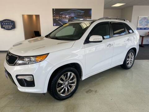 2013 Kia Sorento for sale at Used Car Outlet in Bloomington IL