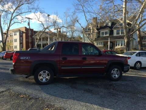 2004 Chevrolet Avalanche for sale at Cars Now KC in Kansas City MO