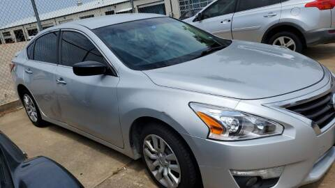 2013 Nissan Altima for sale at DFW AUTO FINANCING LLC in Dallas TX