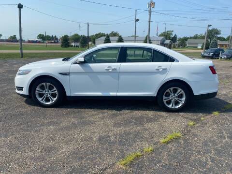 2015 Ford Taurus for sale at Diede's Used Cars in Canistota SD