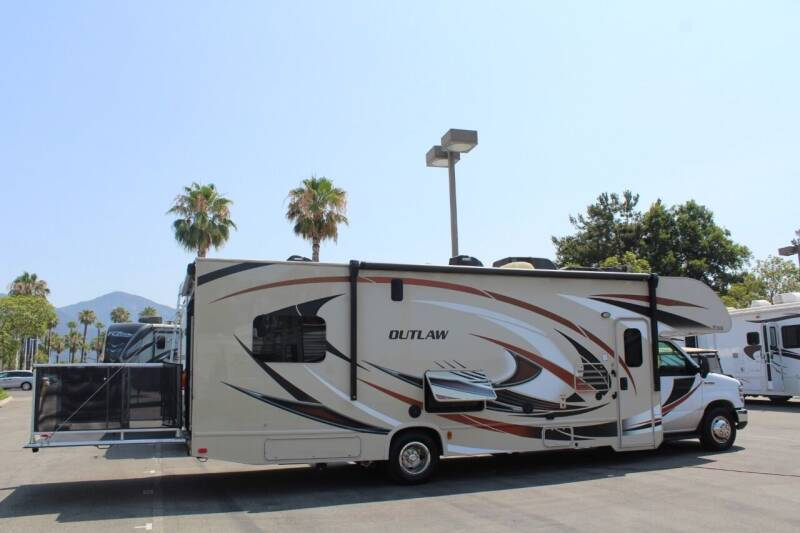 2017 Thor Industries Outlaw for sale at Rancho Santa Margarita RV in Rancho Santa Margarita CA