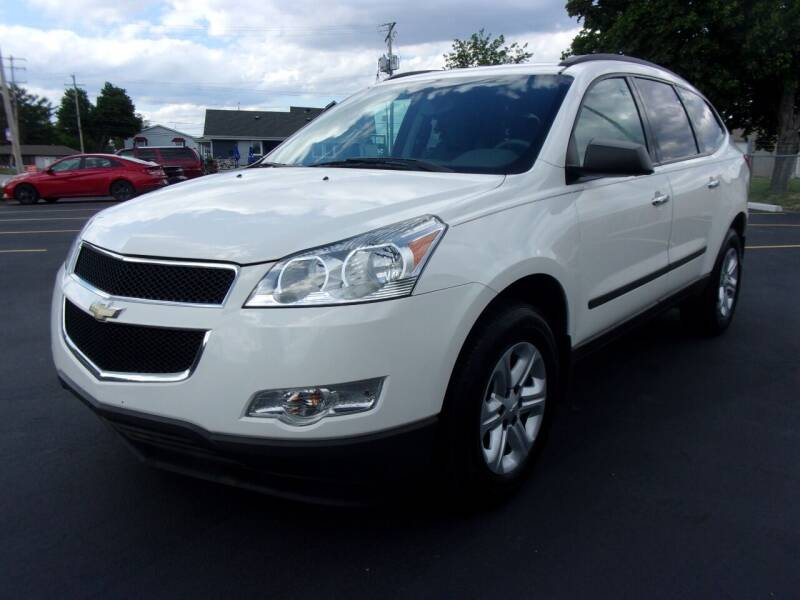 2012 Chevrolet Traverse for sale at Ideal Auto Sales, Inc. in Waukesha WI