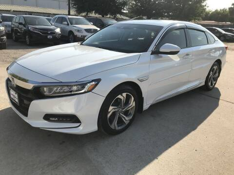 2018 Honda Accord for sale at AMIGO USED CARS in Houston TX