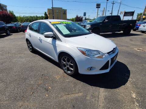 2014 Ford Focus for sale at Costas Auto Gallery in Rahway NJ