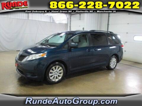 2011 Toyota Sienna for sale at Runde PreDriven in Hazel Green WI