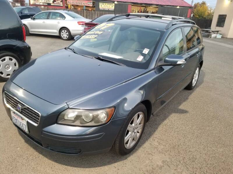 2007 Volvo V50 for sale at Showcase Luxury Cars II in Pinedale CA