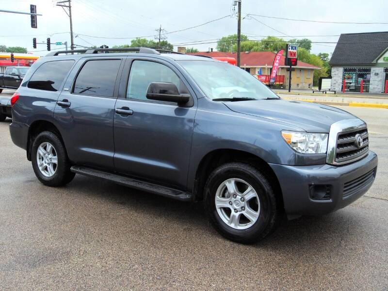 2009 Toyota Sequoia for sale at GLOBAL AUTOMOTIVE in Grayslake IL