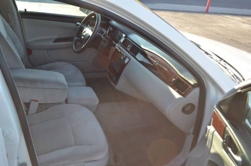 2007 Chevrolet Impala for sale at CARGILL U DRIVE USED CARS in Twin Falls ID