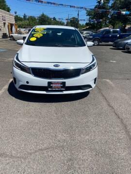 2018 Kia Forte for sale at Mike's Auto Sales of Yakima in Yakima WA
