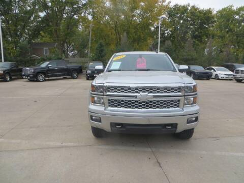 2015 Chevrolet Silverado 1500 for sale at Aztec Motors in Des Moines IA