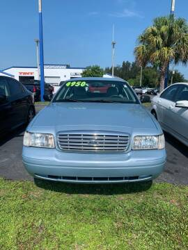 2004 Ford Crown Victoria for sale at WHEELZ AND DEALZ, LLC in Fort Pierce FL