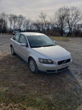2004 Volvo S40 for sale at Alpine Auto Sales in Carlisle PA