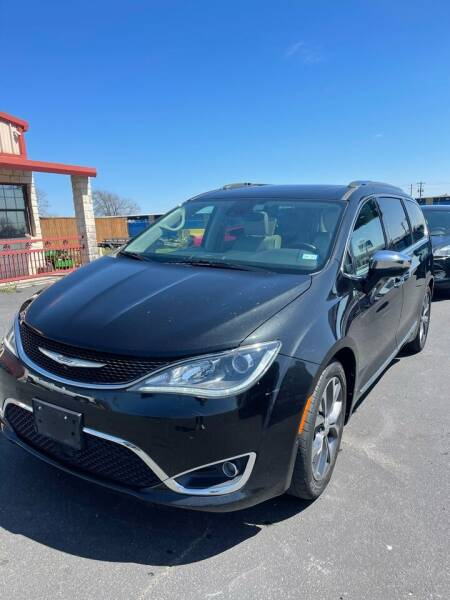 2017 Chrysler Pacifica for sale at Bam Auto Sales in Azle TX