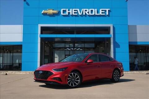 2020 Hyundai Sonata for sale at Lipscomb Auto Center in Bowie TX