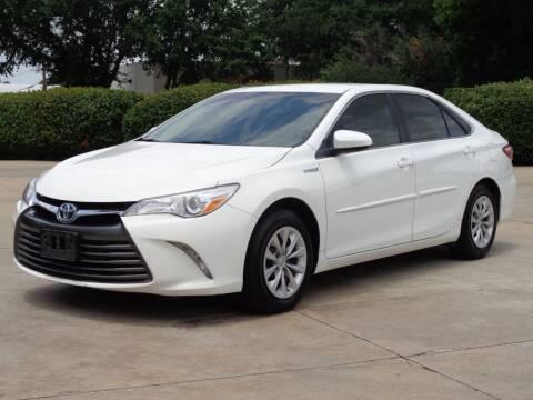 2015 Toyota Camry Hybrid for sale at Auto Starlight in Dallas TX