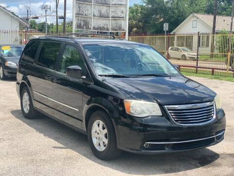 2013 Chrysler Town and Country for sale at David Morgin Credit in Houston TX