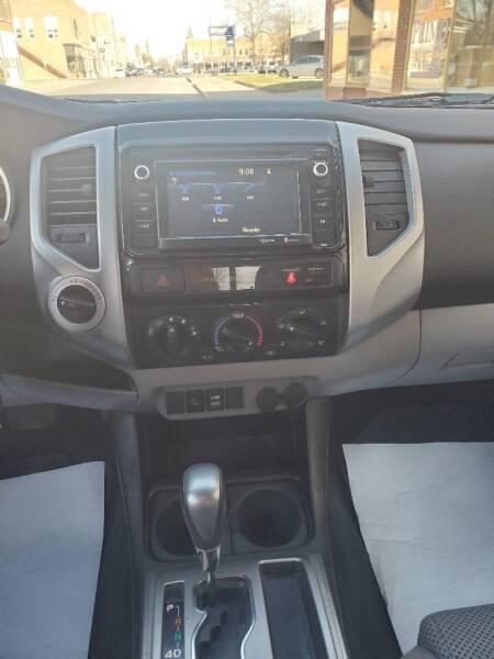2015 Toyota Tacoma 4x4 V6 4dr Double Cab 5.0 ft SB 5A - Chariton IA
