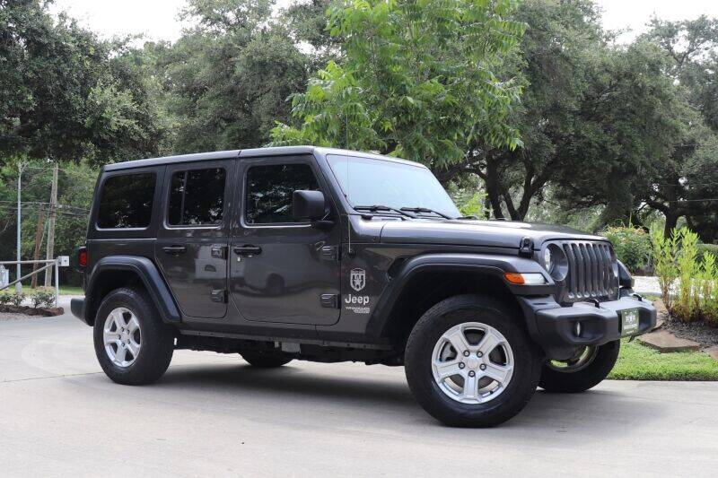 2018 Jeep Wrangler Unlimited for sale at SELECT JEEPS INC in League City TX