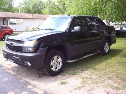 2004 Chevrolet Avalanche for sale at LAKESIDE MOTORS LLC in Houghton Lake MI