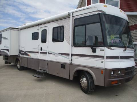 2000 Winnebago Adventurer for sale at Schrader - Used Cars in Mt Pleasant IA