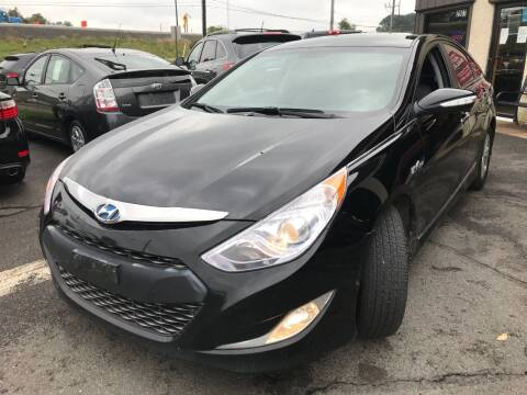 2014 Hyundai Sonata Hybrid for sale at Luxury Unlimited Auto Sales Inc. in Trevose PA