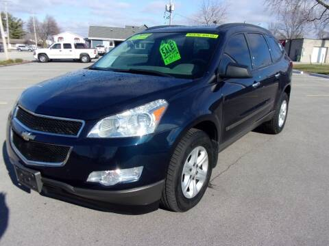 2009 Chevrolet Traverse for sale at Ideal Auto Sales, Inc. in Waukesha WI