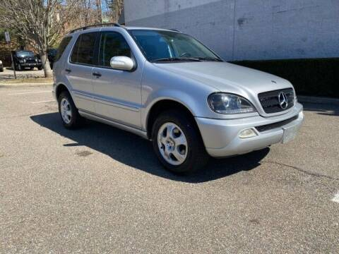 2004 Mercedes-Benz M-Class for sale at Select Auto in Smithtown NY