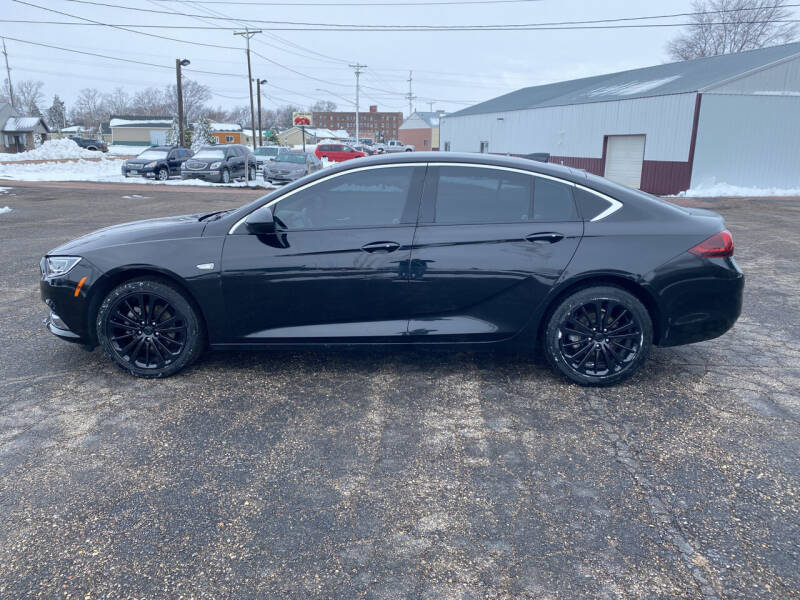 2018 Buick Regal Sportback for sale at Diede's Used Cars in Canistota SD