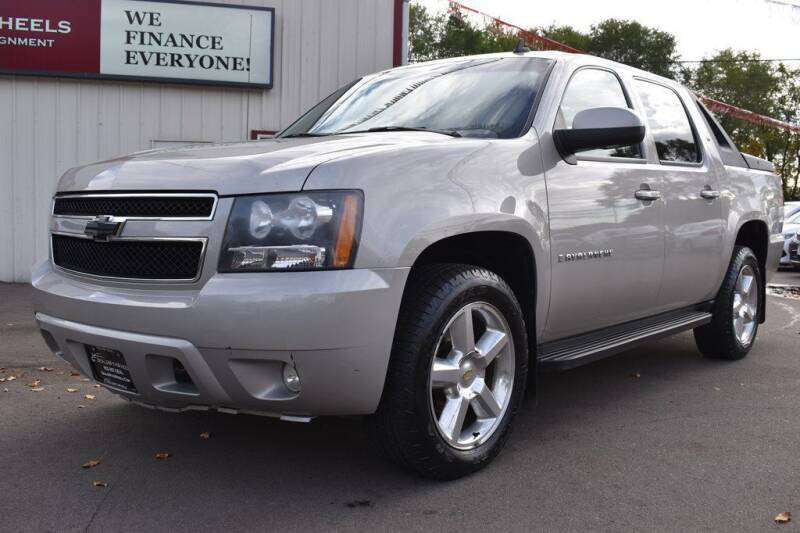 2008 Chevrolet Avalanche for sale at DealswithWheels in Hastings MN