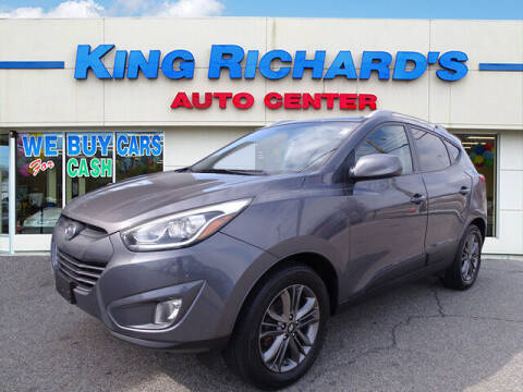 2015 Hyundai Tucson for sale at KING RICHARDS AUTO CENTER in East Providence RI