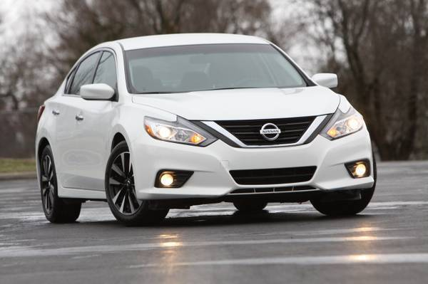 2018 Nissan Altima for sale at MGM Motors LLC in De Soto KS