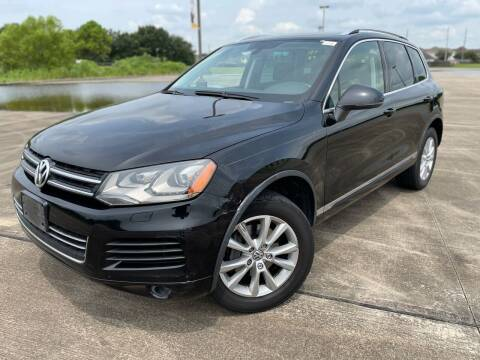 2013 Volkswagen Touareg for sale at AUTO DIRECT in Houston TX