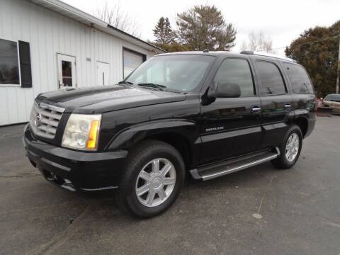 2003 Cadillac Escalade for sale at NORTHLAND AUTO SALES in Dale WI